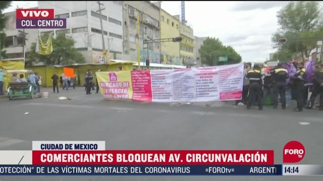 FOTO: comerciantes bloquean avenida circunvalacion en cdmx
