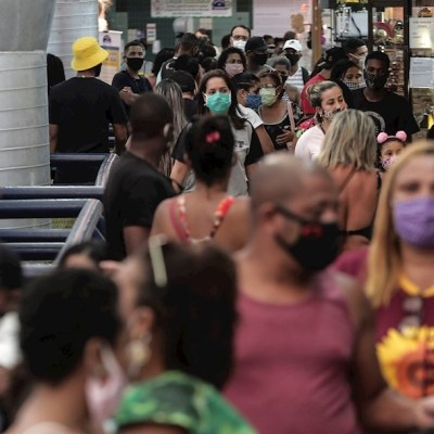 Brasil logra acuerdo para tener 100 millones de vacunas contra coronavirus COVID-19