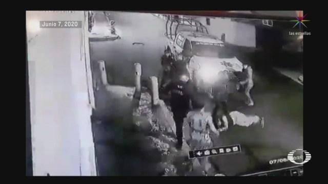 difunden video sobre jovenes que son detenidas por policias de nezahualcoyotl