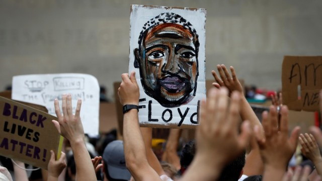 Miles protestan por la muerte de George Floyd. Reuters