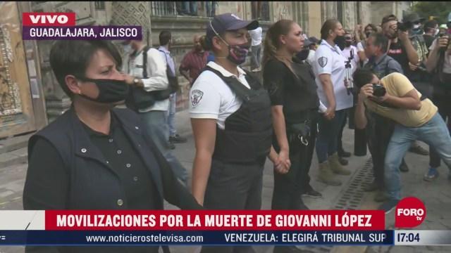FOTO: 6 de junio 2020, mujeres policia acompanan marcha en guadalajara jalisco