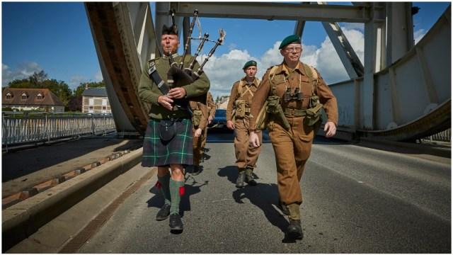 FOTO: Los festejos por la Batalla de Normandía fueron muy discretos este año, 6 de junio de 2020 (Getty Images)