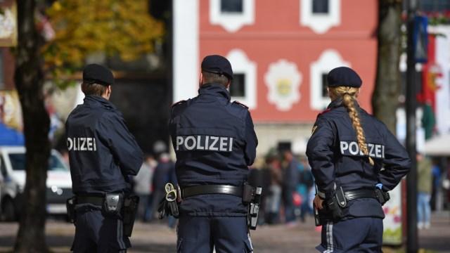 FOTO: Multan con 500 euros a un austríaco por flatulencia ante policías, el 16 de junio de 2020