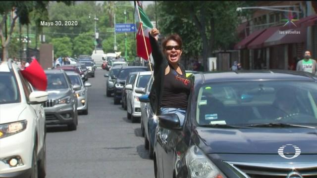 Protestan en autos contra las políticas del Gobierno de AMLO