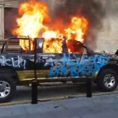 Protestan y queman vehículos en Guadalajara por muerte de Giovanni López