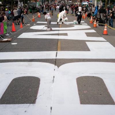 Tiroteo en zona de protestas en Seattle deja un muerto