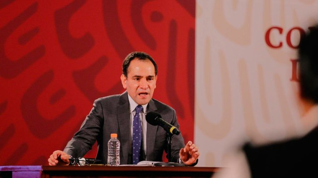 Arturo Herrera, SAT impuestos a clases en línea, aplicaciones de citas y descargas multimedia en economía digital