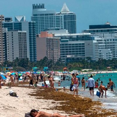 Tras cierre por COVID-19 reabren con restricciones playas en Miami, Florida