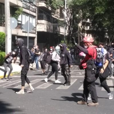 Encapuchados vandalizan la representación de Jalisco en CDMX