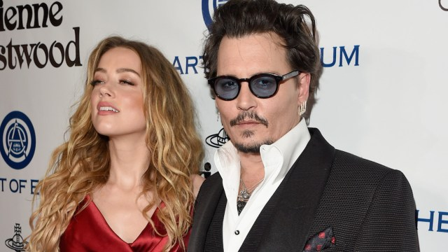 Amber Heard Defecó Cama de Johnny Depp