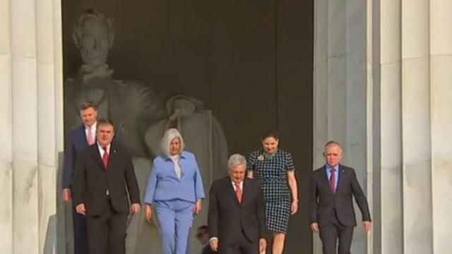El presidente de México, Andrés Manuel López Obrador en el monumento a Abraham Lincoln