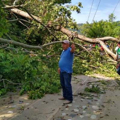 Mueren dos personas por deslizamiento tras lluvias en Oaxaca