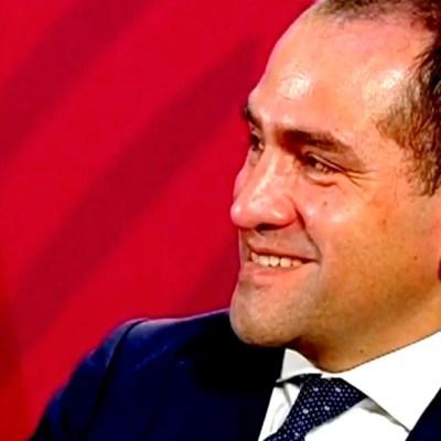 Arturo Herrera da marcha atrás a uso de cubrebocas tras respuesta de AMLO