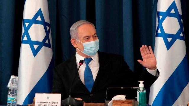 Benjamin Netanyahu, primer ministro de Israel con cubrebocas
