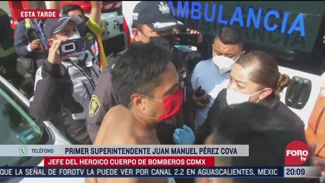 FOTO: 11 de julio 2020, bomberos de la cdmx evitan que hombre se arrojara de hospital en la portales