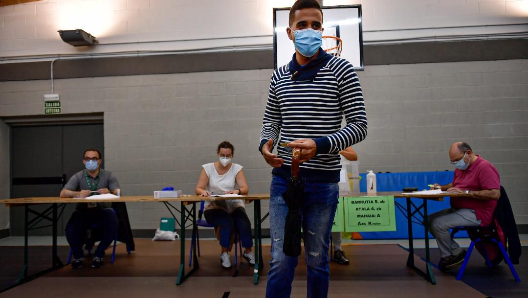 Dos regiones de España celebran elecciones durante la pandemia COVID-19