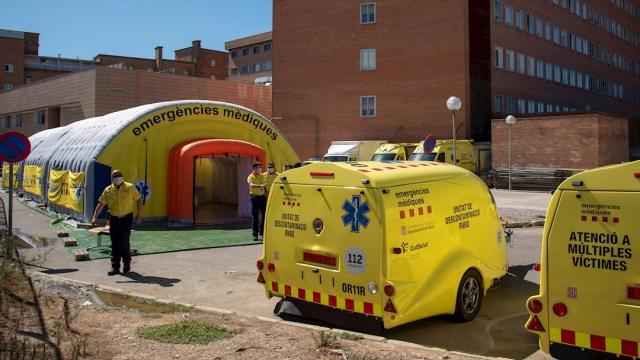 Hospital español para los nuevos brotes de coronavirus , Cataluña obliga a usar cubrebocas para prevenir el COVID-19