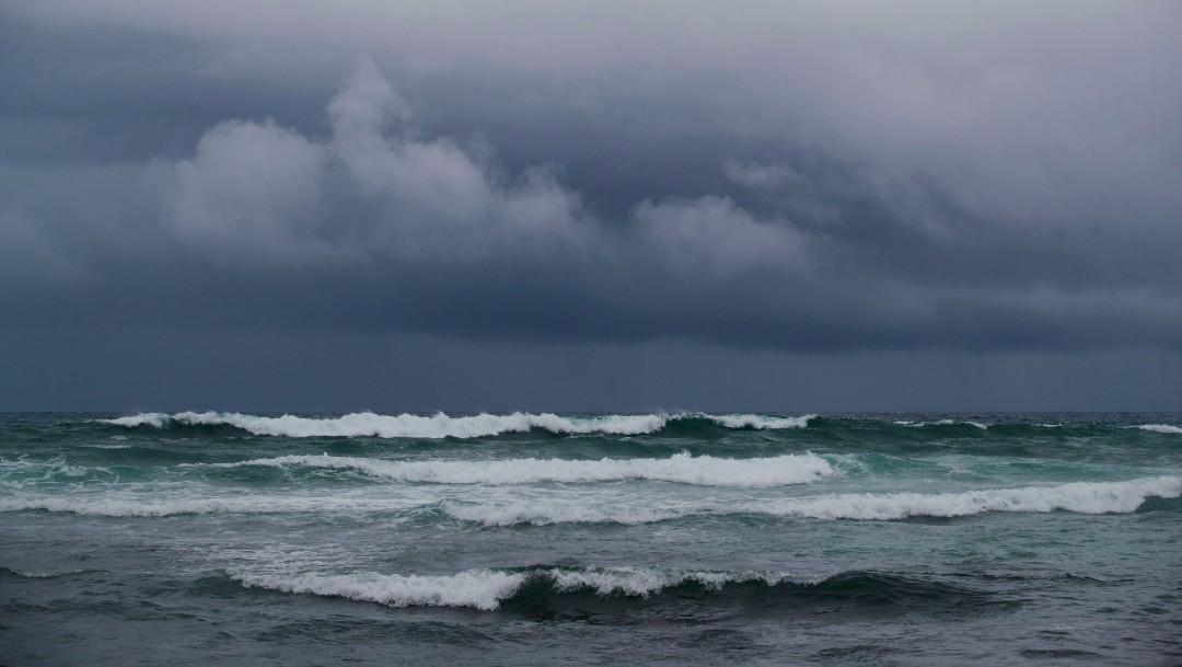 'Isaías' se intensifica a huracán y continúa su avance rumbo a Bahamas