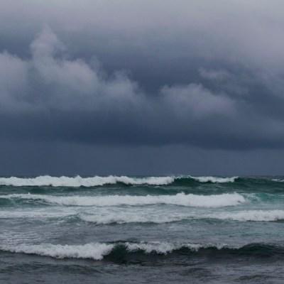 'Isaías' se intensifica a huracán categoría 1 al sur de las Bahamas