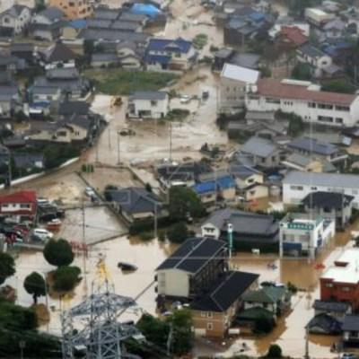 Japón evacua a 75 mil personas por fuertes lluvias