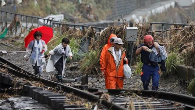 Japón insta a evacuar a más de 230 mil personas por intensas lluvias en medio de la pandemia por coronavirus