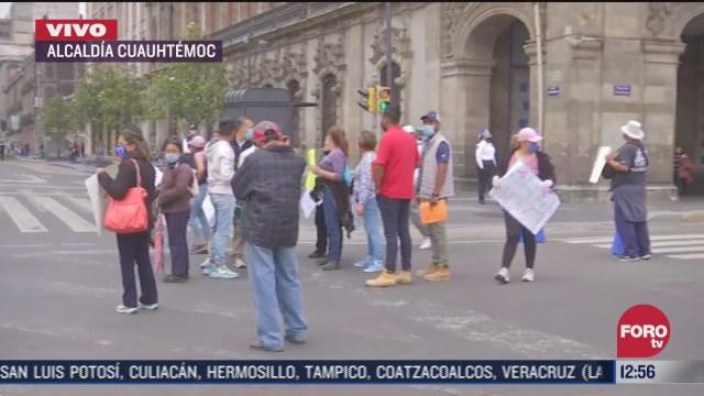manifestantes de xochimilco protestan en el zocalo de la cdmx