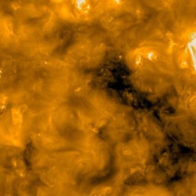 Sonda toma las imágenes más cercanas del Sol; capta pequeñas 'fogatas'