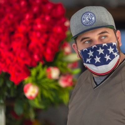 Alcalde advierte que Los Ángeles está al borde de un nuevo confinamiento