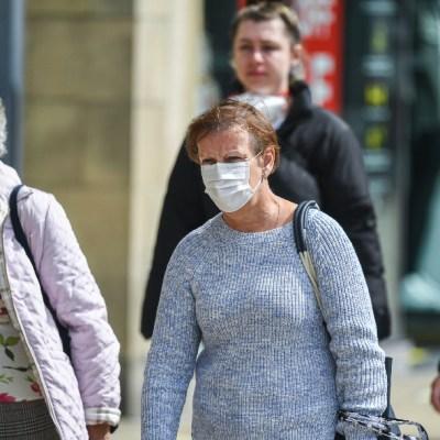 Reino Unido admite que sistema de rastreo de COVID-19 viola intimidad