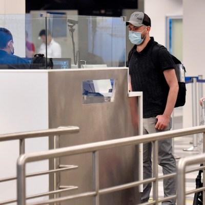 Vacuna de coronavirus de Pfizer y BioNTech tiene resultados positivos en humanos