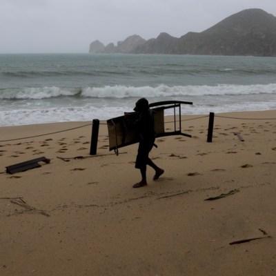 Tormenta-tropical-Cristina-se-aleja-de-costas-mexicanas