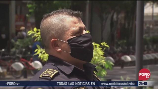 policia de CDMX ayuda a una mujer en labor parto