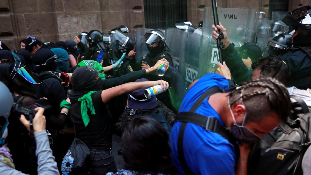 Feministas protestan en CDMX por decisión de SCJN de rechazar despenalización aborto en Veracruz