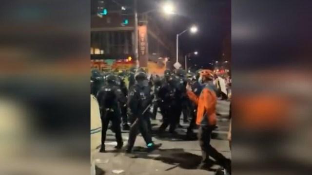 Al menos 45 detenidos en una nueva noche de disturbios en Seattle, EEUU.