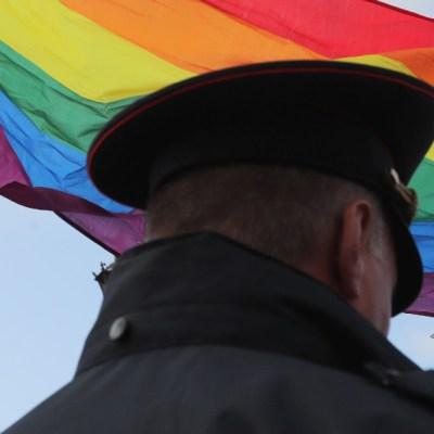 Prohíben matrimonio del mismo sexo y aprueban inclusión de Dios en la Constitución rusa