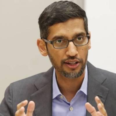 Nacido en Madurai, India, Sundar Pichai se unió a Google en 2004 y desde 2015 es director general de la compañía, la más importante del conglomerado Alphabet Inc. y una de las más valiosas del mundo