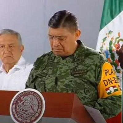 MLO y Luis Cresencio Sandoval, titular de Sedena