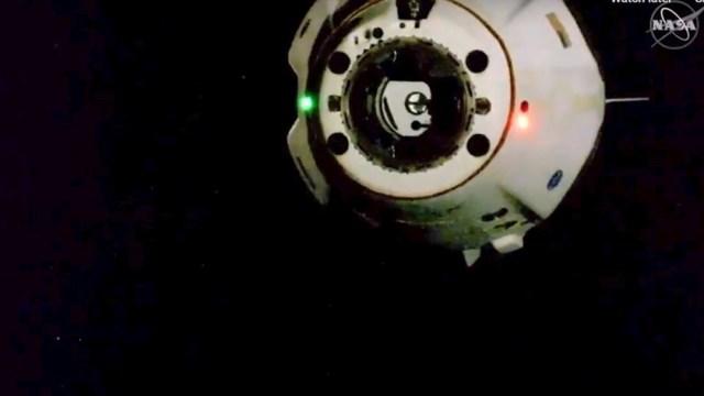 Fotografía de la cápsula Dragon Endeavour SpaceX