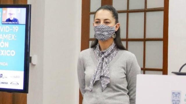 Claudia Sheinbaum usa cubrebocas en conferencia de prensa