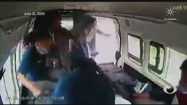 dan golpiza a presuntos asaltantes de transporte publico en edomex