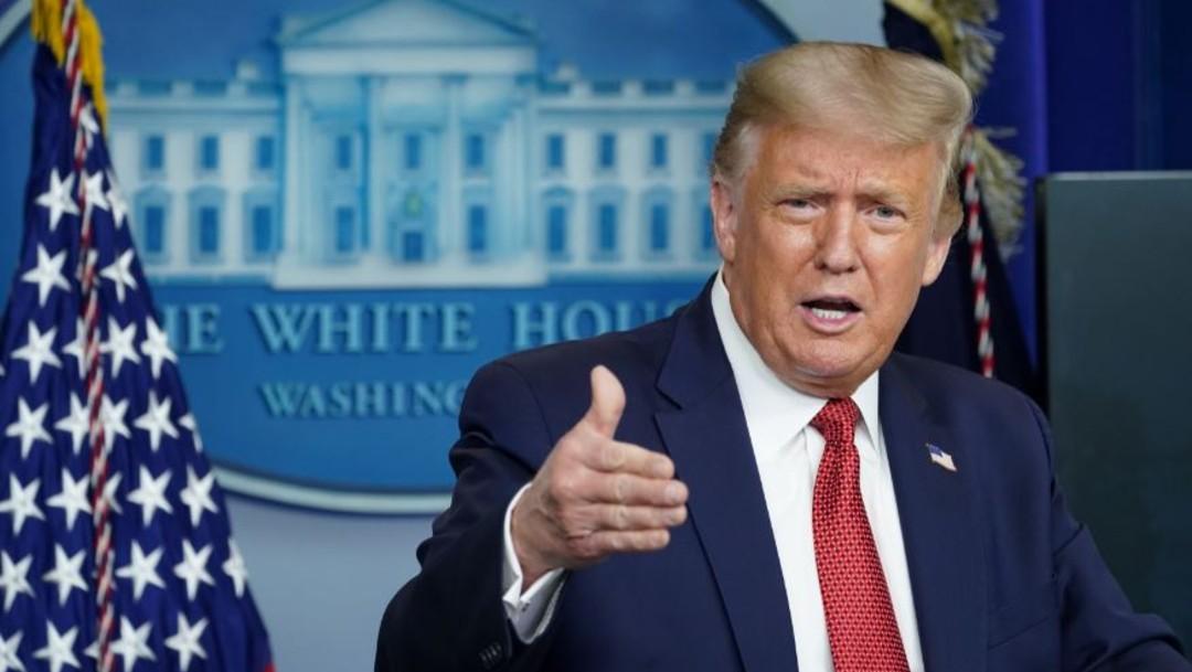 donald trump en conferencia de prensa desde la casa blanca