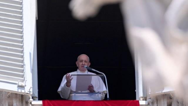 El papa Francisco pide al mundo una 'generosa ayuda' para el Líbano