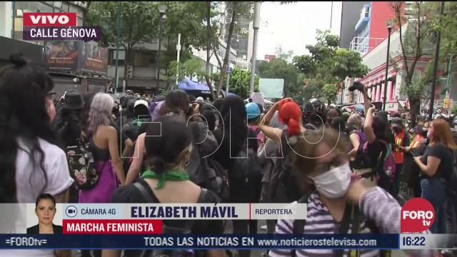 enfrentamientos en genova por marcha feminista