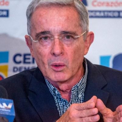 Expresidente Uribe renuncia al Senado de Colombia desde prisión domiciliaria