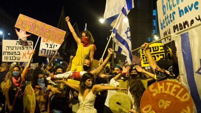 Más de 10 mil israelíes vuelven a manifestarse y piden renuncia de Netanyahu