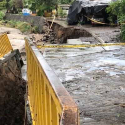 Familias se retiran de la costa de Colima por riesgos del huracán
