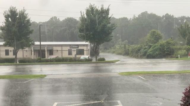Isaías-retoma-fuerza-como-huracán-rumbo-a-las-Carolinas