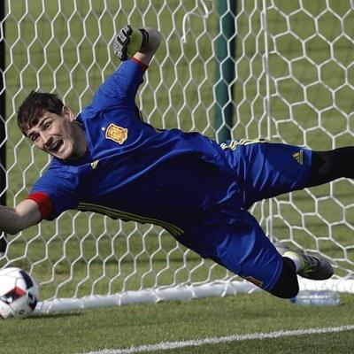 Iker Casillas, exportero del Real Madrid, se retira del futbol