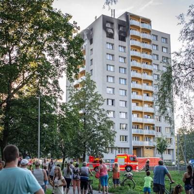 Incendio en departamentos de República Checa termina con 11 muertos