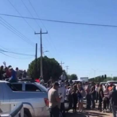 Integrantes de la familia LeBarón protestan por extorsiones en municipio de Galeana